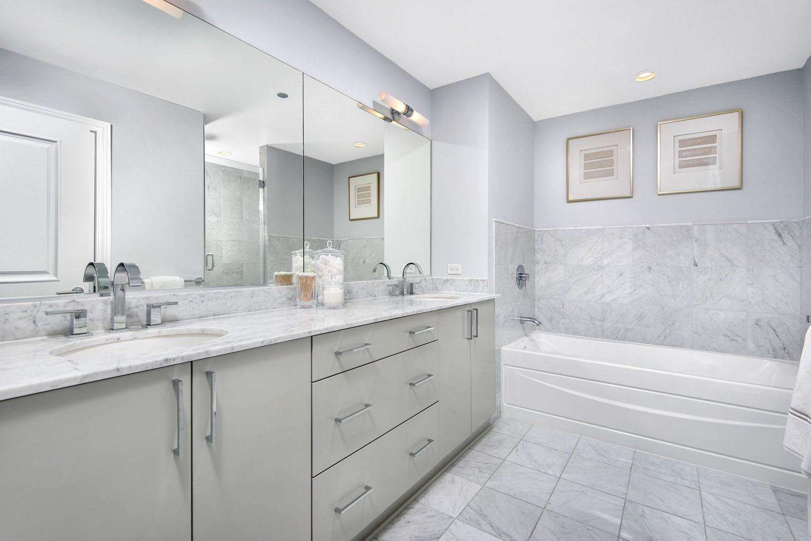 Two West Int Features Platinum Model Bathroom Feb2018